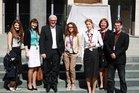Spontanfoto mit Bundesaußenminister Dr. Frank-Walter Steinmeier im Hof des Auswärtigen Amtes