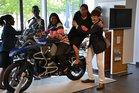 Besuch beim BMW-Motorradwerk